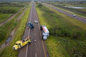 Tormenta tropical Hanna arrasa la costa de Texas en medio de pandemia de COVID-19