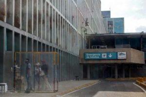 Enfermera del «Universitario»: Tengo que llevar agua de mi casa al hospital