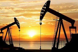Debido al paso del huracán Laura en México los precios del petróleo bajaron