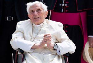 Vaticano dice que estado de salud de Benedicto XVI «no es especialmente preocupante»
