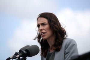 Primera ministra de Nueva Zelanda aplaza las elecciones ante el rebrote de COVID-19