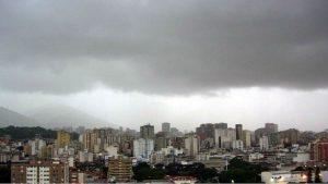 Abundante nubosidad y precipitaciones se esperan en el país para este viernes