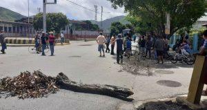 Reportan protestas por combustible y deficiencia de los servicios públicos en Nueva Esparta