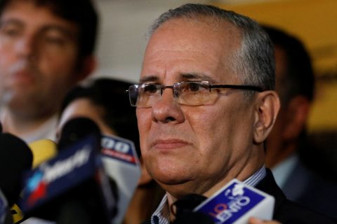 Padre del diputado Requesens pide enviar a presos políticos a sus casas como «medida humanitaria»