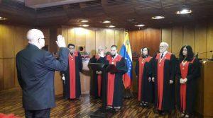 Leonardo Morales es nombrado como nuevo vicepresidente del CNE
