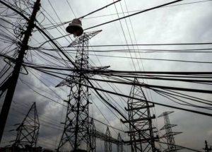 Apagones eléctricos mantienen a Valencia paralizada este jueves