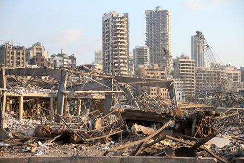 Suben a 78 muertos y mas de 4.000 heridos por la explosión en el puerto de Beirut