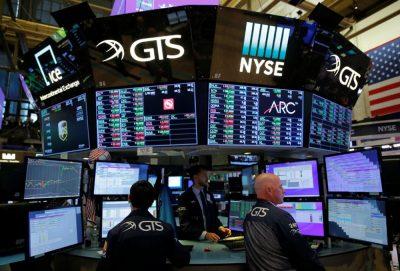 Wall Street abre en verde y el Dow sube un 0,65 % por avances contra el virus