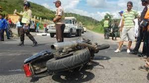 Muere motorizado en el Hatillo al ser impactado por una camioneta