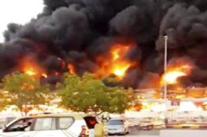Incendio en un mercado en Emiraratos Árabes generó alarma en la población