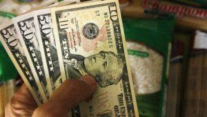 Dólar paralelo abre este viernes con caída del 0.52 por ciento