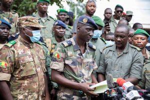 Golpistas de Mali reciben apoyo del movimiento opositor pero no de África