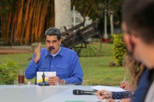 Maduro extiende seis meses más funciones de comisión que reestructura estatal venezolana PDVSA