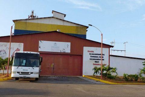 Detenidos cuatro hombres intentando robar 400 kilogramos de alimentos de la Alcaldía de Lossada