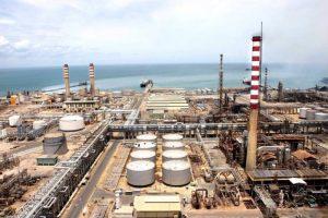 Refinerías de Cardón y Amuay continúan derramando crudo en el Caribe