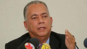 Elvis Amoroso responsabilizó a Guaidó y Estados Unidos por obstaculizar la llegada de los buques con gasolina