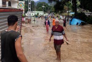 Río El Limón se desbordó luego de fuertes lluvias en Aragua