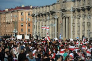 Los bielorrusos vuelven a las calles para exigir renuncia de Lukashenko