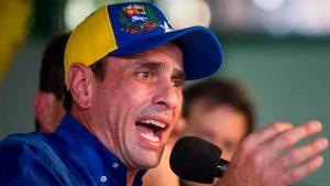 Capriles rechaza el «régimen autoritario» y una oposición «que hace lo mismo»