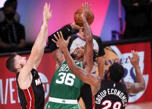 #NBA Brown y Tatum imponen su clase y dan primer triunfo a Celtics