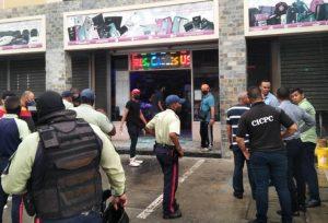 Lanzaron artefacto explosivo contra un local en Ciudad Ojeda
