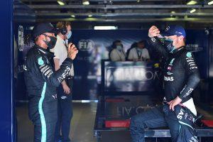 Hamilton firmó la «pole»; Bottas lo escolta, mientras que Sainz partirá tercero