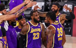 LeBron James, con un triple-doble, pone a Lakers en las Finales de la NBA