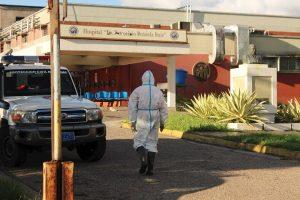 Médicos venezolanos continúan vulnerables ante la COVID-19, reportan 7 nuevos fallecidos en el gremio