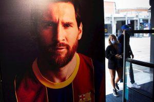 Jorge Messi muestra a LaLiga el contrato de Messi por el que queda libre