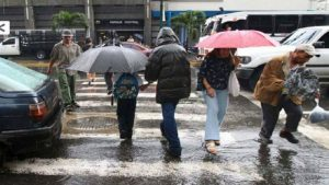 Continuarán precipitaciones  en gran parte del país este martes