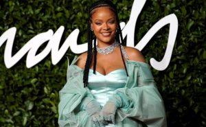 Rihanna estrena nueva línea de ropa