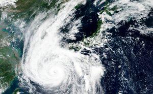 Al menos cuatro desaparecidos y casi un centenar de heridos en Japón por tifón Haishen