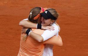 El vendaval polaco Swiatek arrasa a Kenin y gana en Roland Garros su primer grande