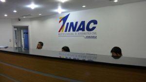 INAC extiende las restricciones a las operaciones aéreas por 30 días más