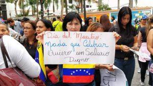 Maestros continuarán protestando hasta lograr la firma de un acuerdo colectivo