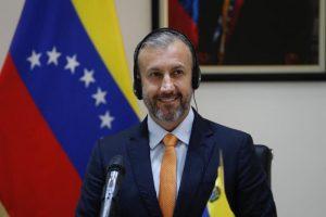 Venezuela reitera ante la OPEP su compromiso de cumplir los recortes en la producción de petróleo