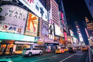 Teatros de Broadway estarán cerrados hasta finales de mayo 2021