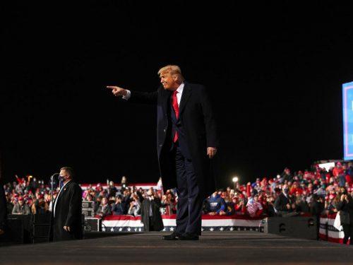 Trump habla de la economía y de la «depresión» que traería Biden en su mitin en Pensilvania