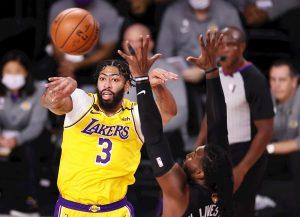 #NBA James y Davis ponen a Lakers a un triunfo del título de campeones