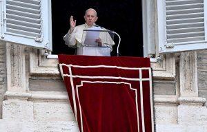 El papa pide mayor participación femenina en las instituciones de la Iglesia