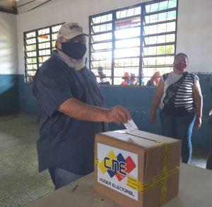 Alcalde de Lossada en simulacro: «El pueblo quiere democracia y paz»