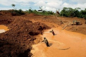 Denuncian que militares explotan recursos en el Arco Minero del Orinoco