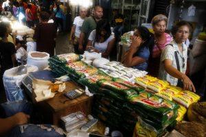 Consumo venezolano experimentó una caída del 31.7 % según Consecomercio