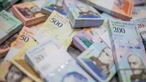 Venezuela busca masificar uso del bolívar con nuevo servicio de banco estatal