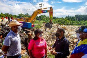 Ejecutan limpieza de cañada tras el paso de la onda tropical en Maracaibo