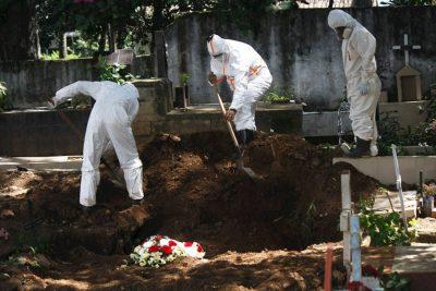 Denuncian que cada día aumentan las solicitudes de cremación en los cementerios venezolanos
