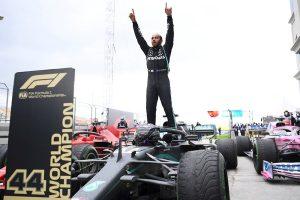 Hamilton iguala al «Kaiser» con exhibición en Turquía