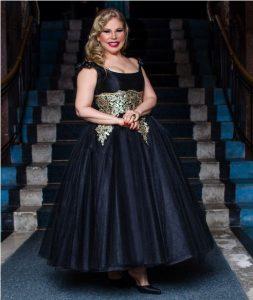 Lucy Amado formó a las reinas de la Feria de la Chinita