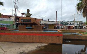 Inician trabajos de rehabilitación de plaza en Lossada