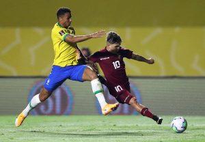 Brasil, único líder; Argentina cede, Chile gana y Uruguay castiga a Colombia